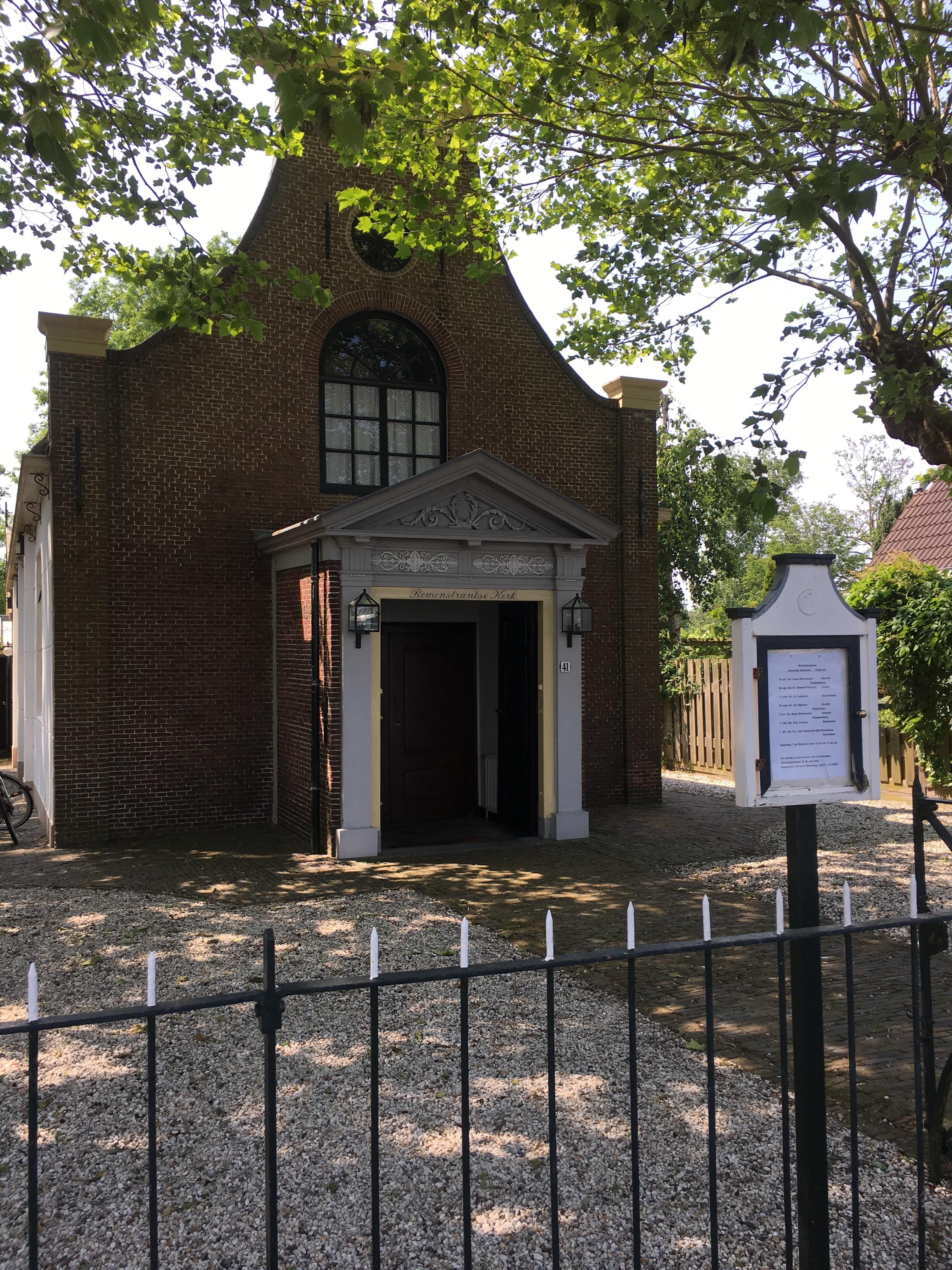 Nederlands Hervormde kerk in Oude Wetering die gediend heeft als schuilkerk in de tijd van de 80 jarige oorlog.